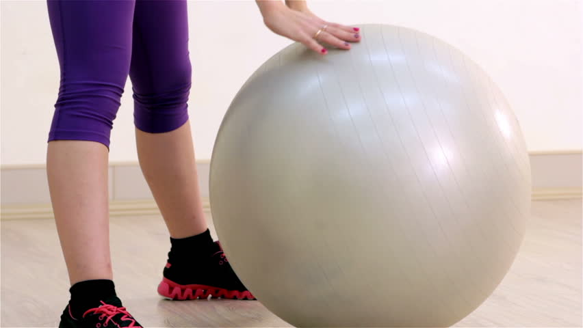 Fitness. Aerobics with the fitballs closeup