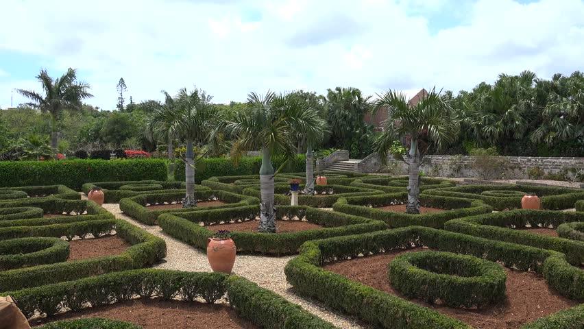 Parterre definition meaning for Definition de jardin