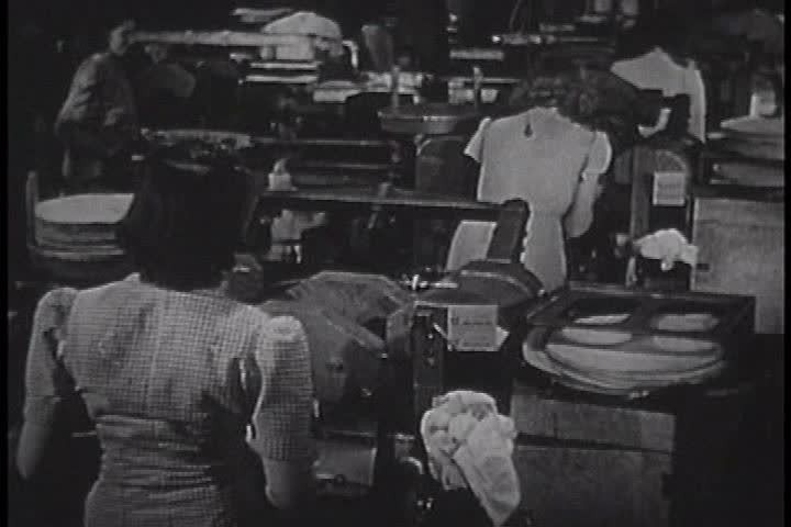 1940s - A film by RCA showing how shellac records are made.