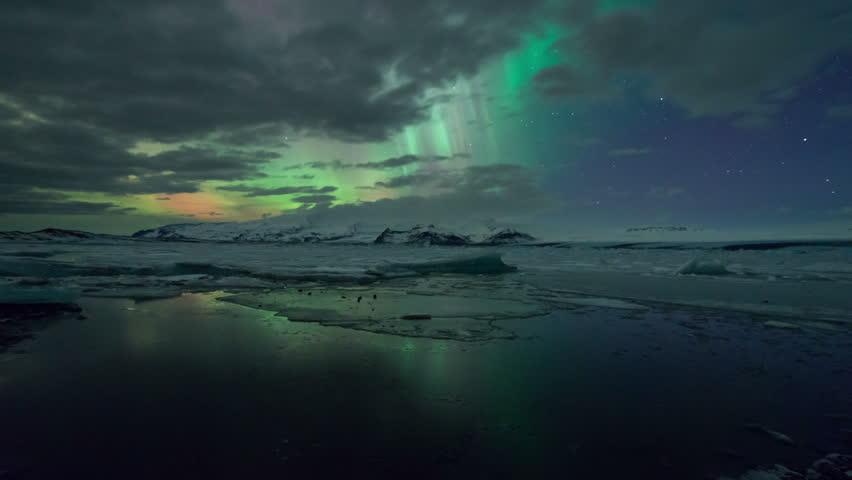 Aurora Borealis, The Northern Lights over Jokulsarlon Glacier Lagoon, Iceland
