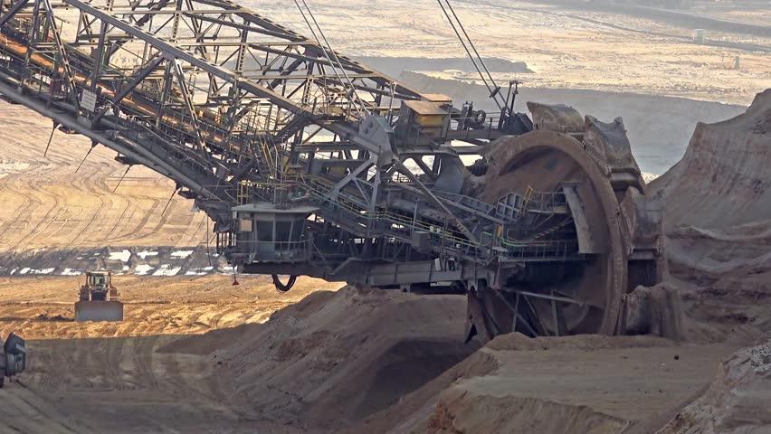 giant excavator - photo #17