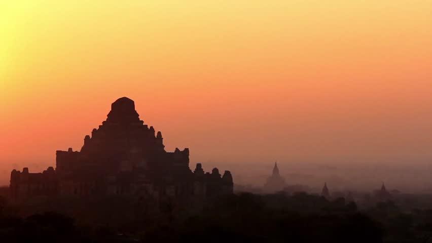 Sunrise in Bagan 3 - Beautiful sunrise in Bagan, Myanmar (Burma). Breathtaking scenery over temples in Bagan.